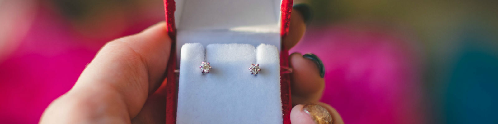 How Much Diamond Stud Earrings Cost